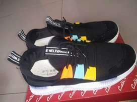 Sepatu hitam uk 39