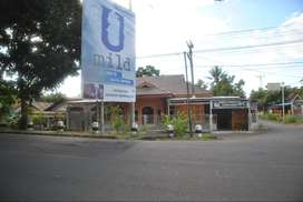 Rumah Pinggir Jalan Trans Sulawesi, Buyungon, Amurang, Minahasa Selata