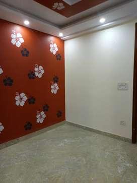3 bhk semi furnished  flats availbe in uttam nagar.