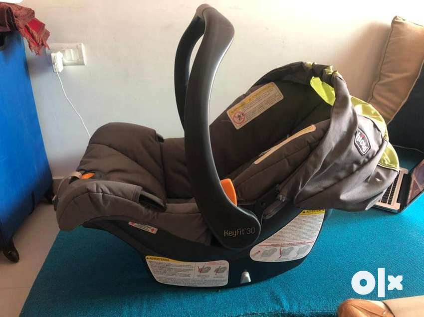 Chicco Infant car seat with latch system