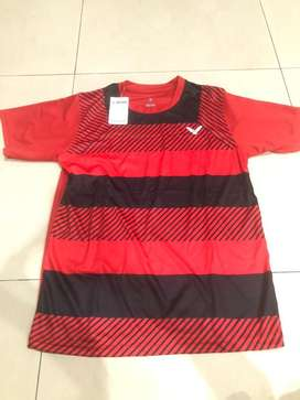 NEW VICTOR Red Black Tee