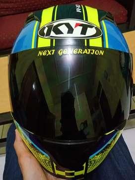 kyt r10 like new