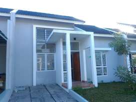 Disewakan rumah di grand kawanua cluster Casa Viola