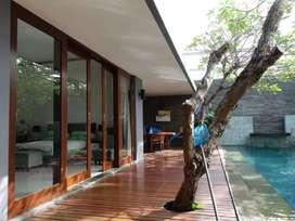 Rumah Mewah Style Villa Minimalis Di Gunung Catur Gatsu Barat # Cargo