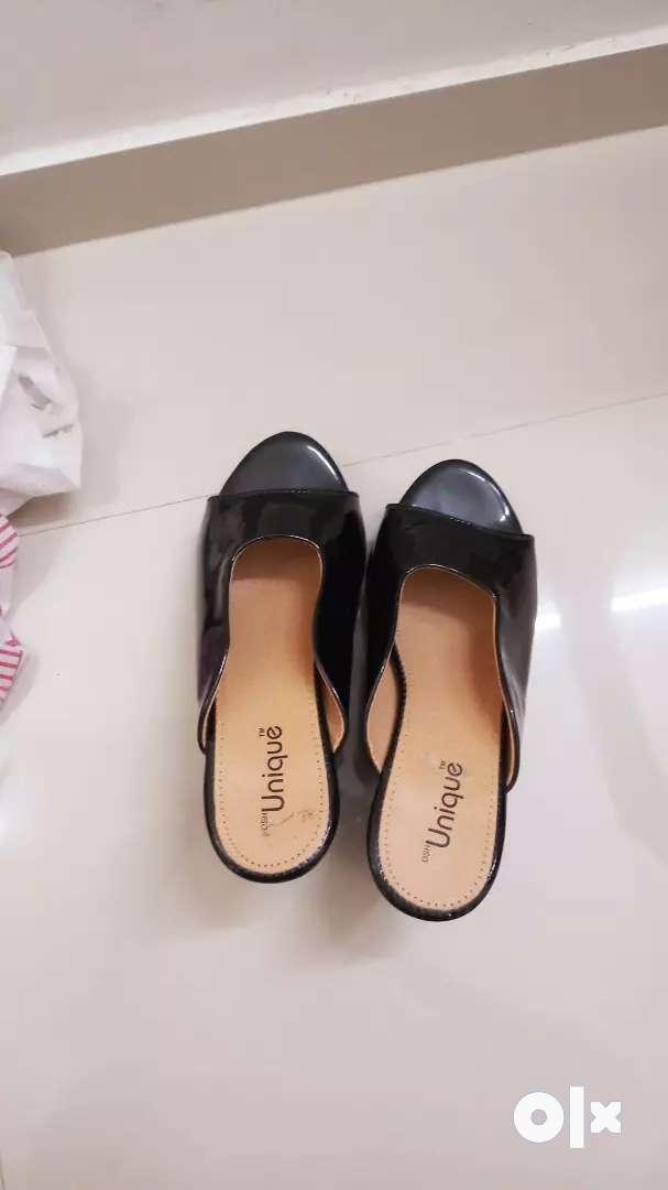 Black footwear 0