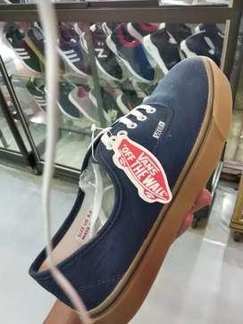 Sepatu sneaker vanss(COD) bayar ditempat,,,