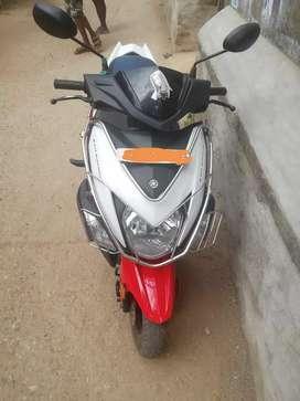 Lady used Yamaha ray zr