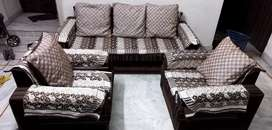 New Condition Sofa Set 5 Sheeter with 2pair Cover