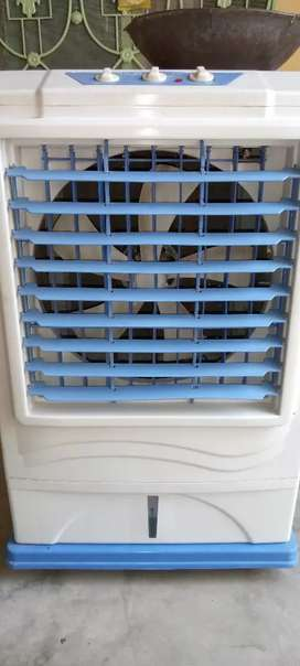 7500 model N.B cooler vip condition  AC