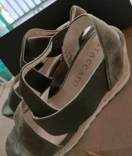 Wedges Staccato 37 green olive