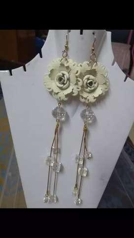 Jewellery artificial