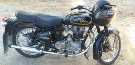 In good condition colour black mint condition  average  appx 40 kmpl