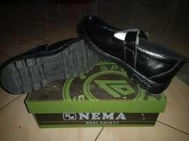 Sepatu safety cewek