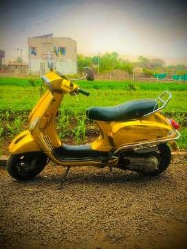 Vespa golden sxl