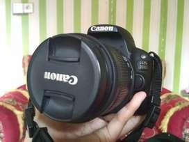 Kamera canon EOS 200D lensa standar(kit)