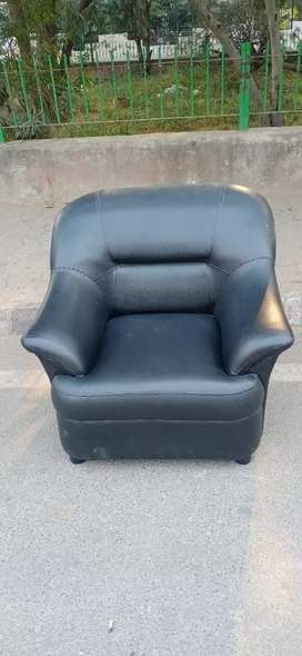 Black leather sofa 4 seater free home deliveryblack