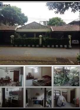 Rumah luas dan strategis poros jalan di Klojen Malang