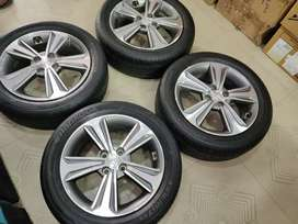 16' Verna fluidic Stock OEM Alloys with Hankook tyres 1400kms used
