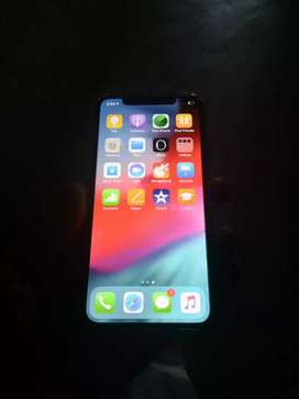 IPhone X 64GB bill box headphone charger 6 month old