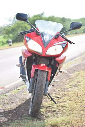 Yamaha r 15v2 good condition