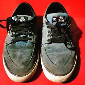 Sepatu Macbeth DC wes kremer