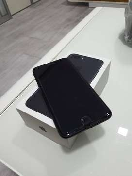 i phone 7 plus (black) 128 gb    warranty available