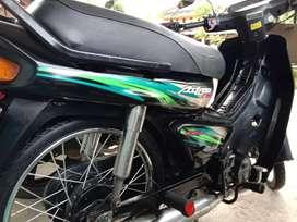 Dijual motor Honda Astrea grand tahun 1998.