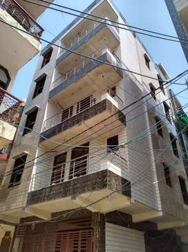 3bhk floor/flat ready to move in vijay vihar phase 2 Rohini sector 4