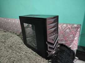Gaming PC Mid Tower Cabinet