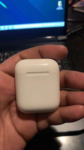 Apple Airpods 2 WIRED... Left & Right replaced under warranty