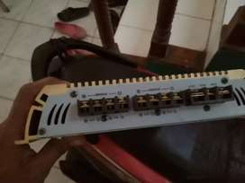 Power hornet 2800 watt 4channel