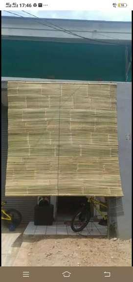 Tirai bambu dan tikar rotan dan isi bambu