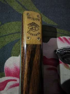 Lp double piece cue with 9mm tip and having beautiful weight brand new