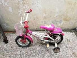 Sepeda anak tidak terpakai