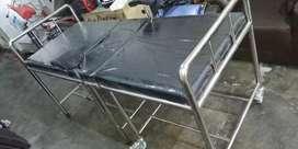 Tempat tidur stainless untuk pasien