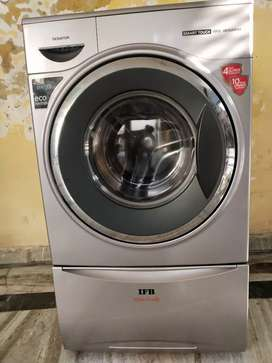 New washing machine 2 mouth used. Pure new