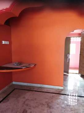 2 BHK House in first floor with full ventilation and municipal water,