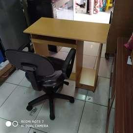 1 set meja komputer dan kursi kantor