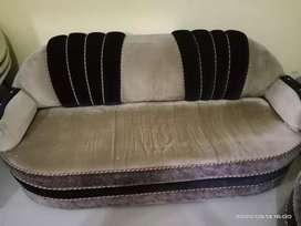 It is very good sofa  and it is only 2 years ago sofa thanku