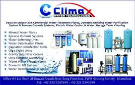 Water tanks cleaning with chemcals