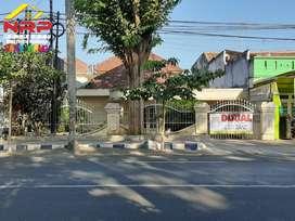 Dijual Rumah Strategis 2 Lantai di JL. A. YANI Banyuwangi