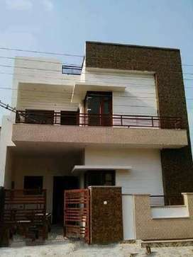 155 YARD DESIGNER PARK FACING DUPLEX HOUSE 1.10 CRORE (MAYUR VIHAR )