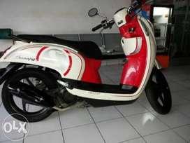 Honda Scoopy merah Cream di Djaya Motor melayani Kredit dan cash
