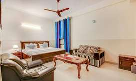 BEST AND LUXURY BOYS PG SECTOR 62 NOIDA