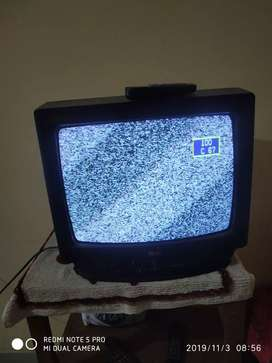 LG TV CRT Tv 4 year old