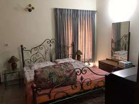 upper portion furnished master size bedroom for rent in dha ph1