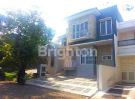 Rumah semi Furnish riverside