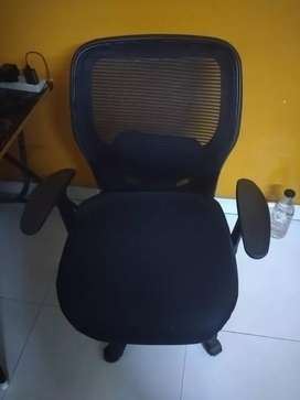 office chair in excellent condition for sale
