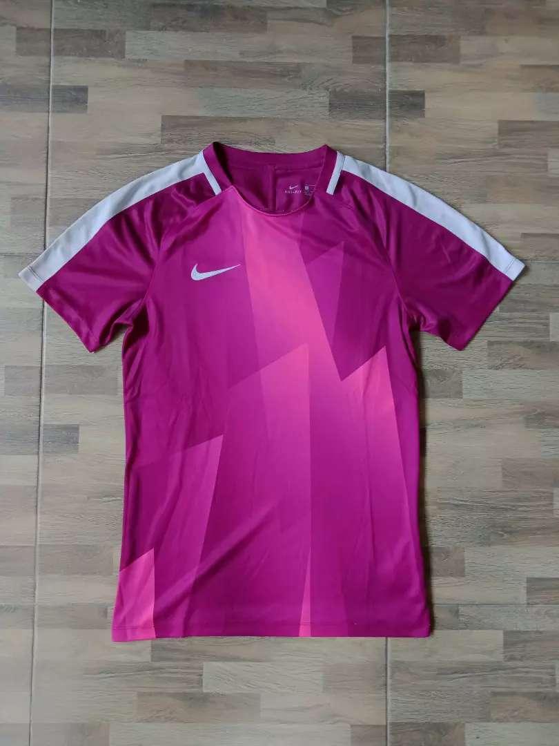 Nike football shirt ungu
