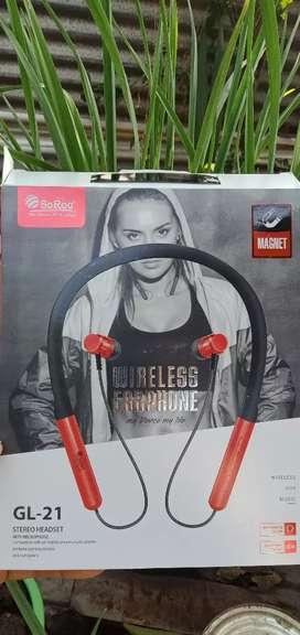 Bluetooth headphone leibdei 7 days used ti toure